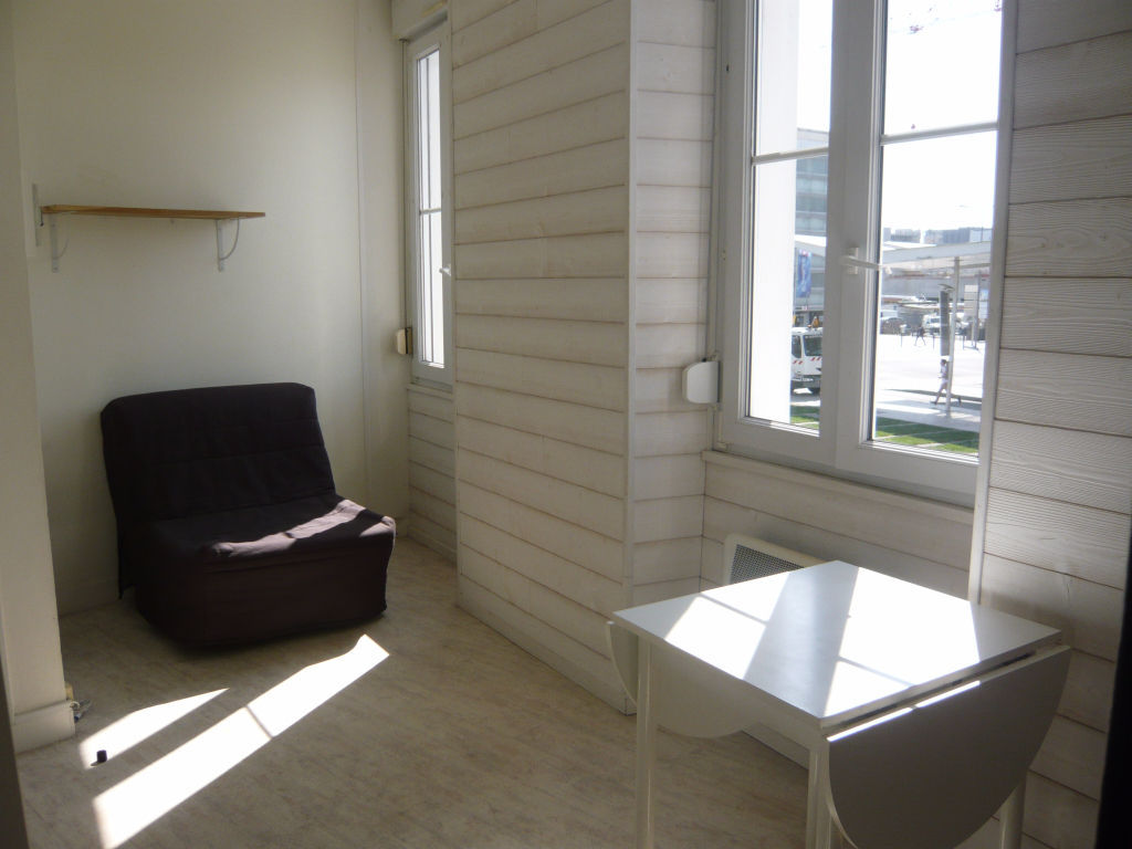 appartement-angers-1-piece-s-14-m2