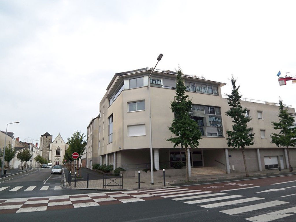 A vendre appartement angers 31 m l adresse 49 for Garage ad angers st serge