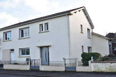 Appartement Bourgneuf En Mauges 4 pièce(s) 104 m2